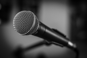 microphone 300x200 - microphone